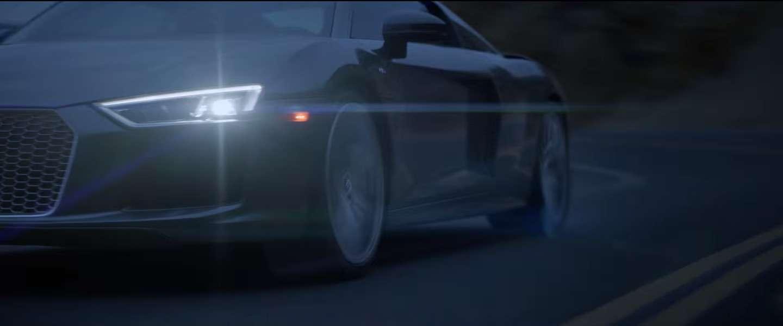 Soms is er een commercial, daar hoort geen tekst bij, Audi R8 V10 plus