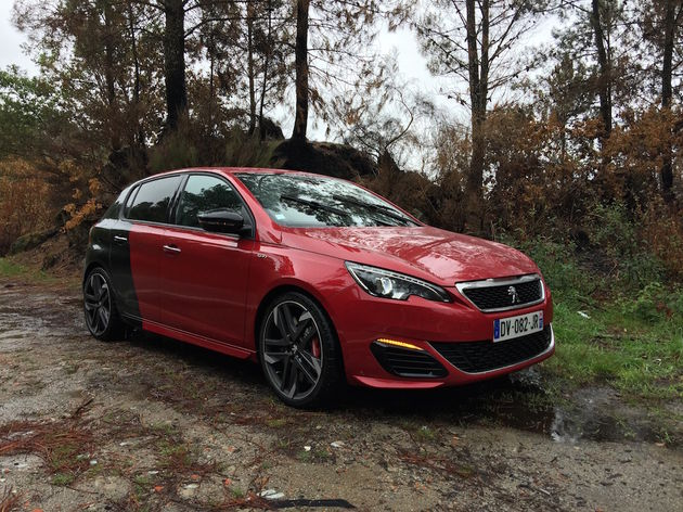 Peugeot_308_GTi_Coupe_Franche