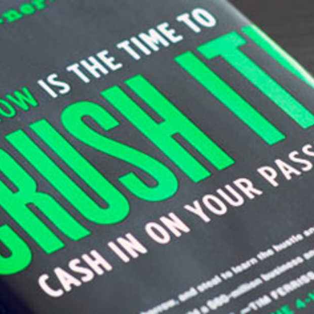 Crush It!: Why NOW Is The Time To Cash In Your Passion.
