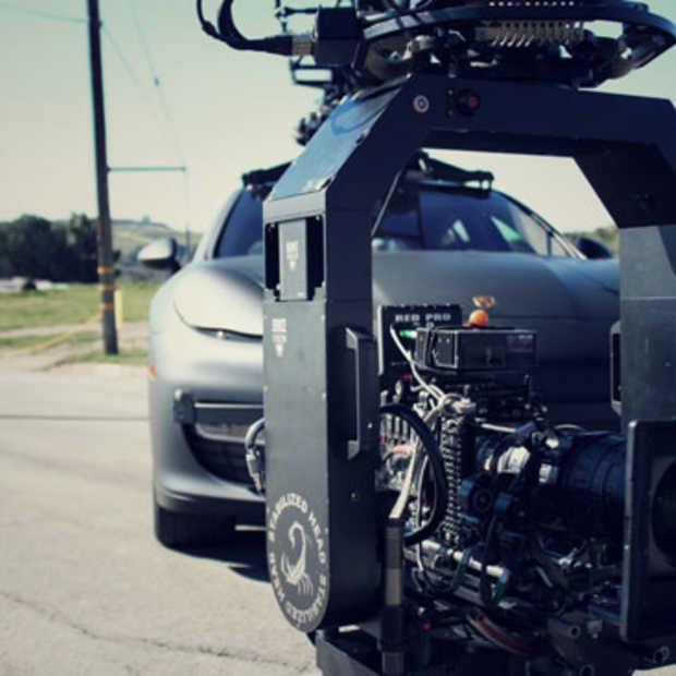 De Porsche Panamera Turbo Camera van Chase Car Inc.