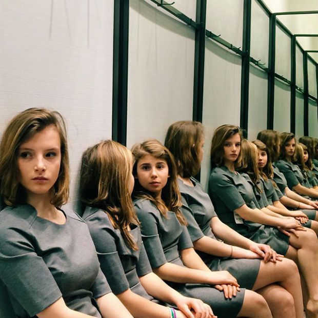 Hoeveel meisjes zie jij op het beeld?