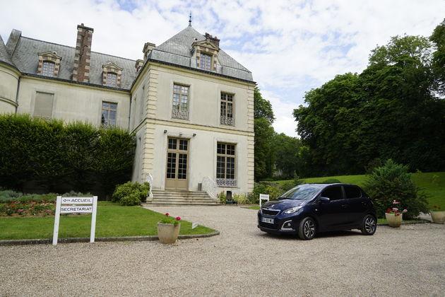 Peugeot_108_kasteel