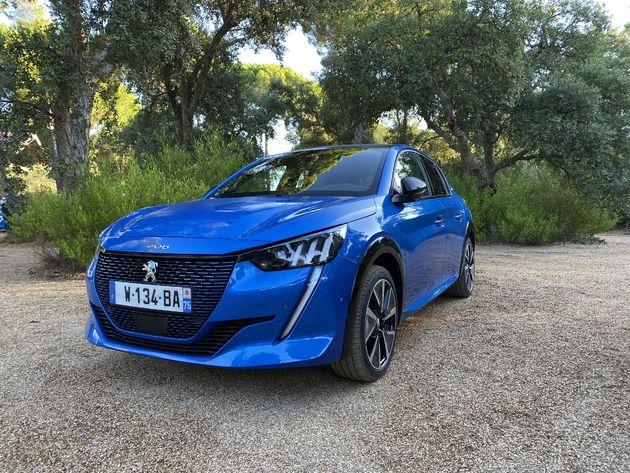 Peugeot_e208_Blue_3