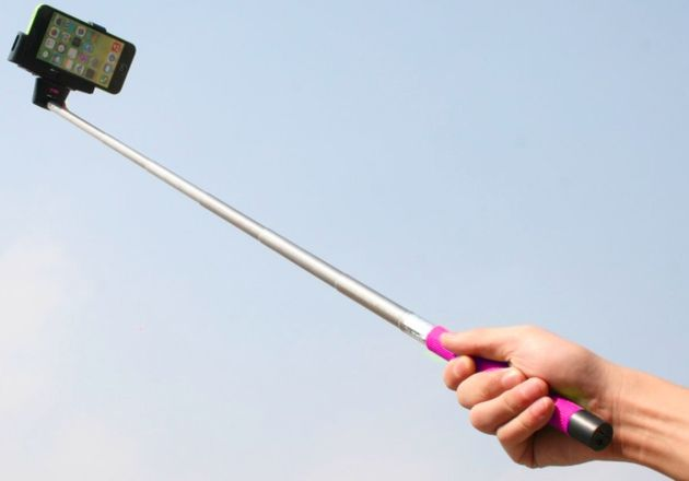 selfie_stick_travel_gadget