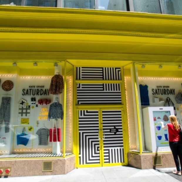 Amerikaanse winkelketen introduceert digitale 'shoppable' etalages met levensgrote tablets