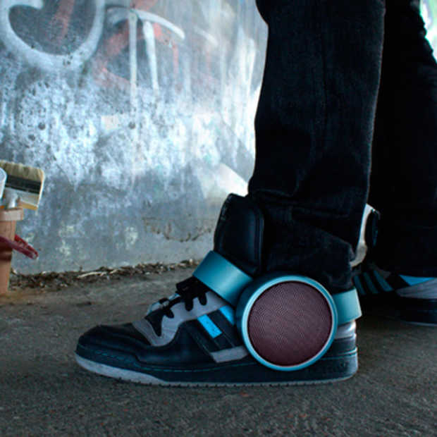 De sneaker speaker