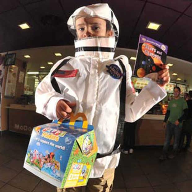 McDonald's Happy Meal met een boek in plaats van speelgoed
