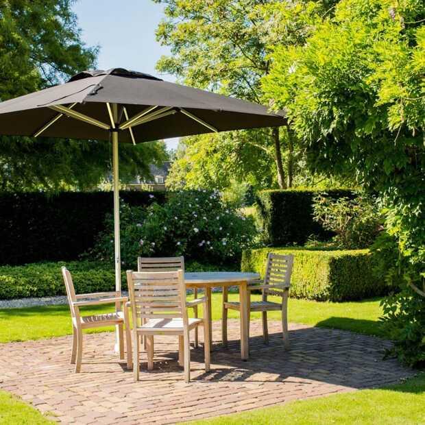 Maak uw tuin of terras zomerklaar met een mooie parasol