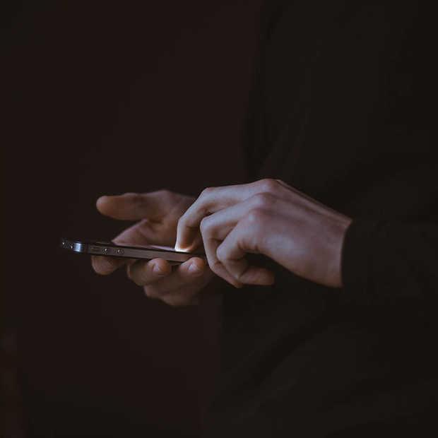 Met je gadget in bed; dat doen we toch allemaal?